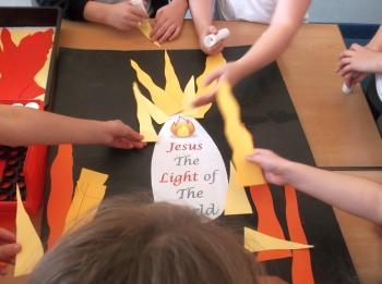 JAM club Seniors (Y5&6) making new poster for year