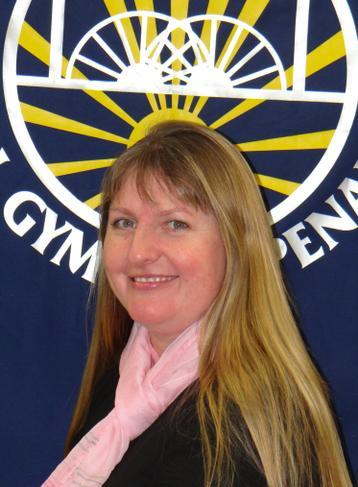 Mrs J Richards - Ysgrifenyddes / Clerk