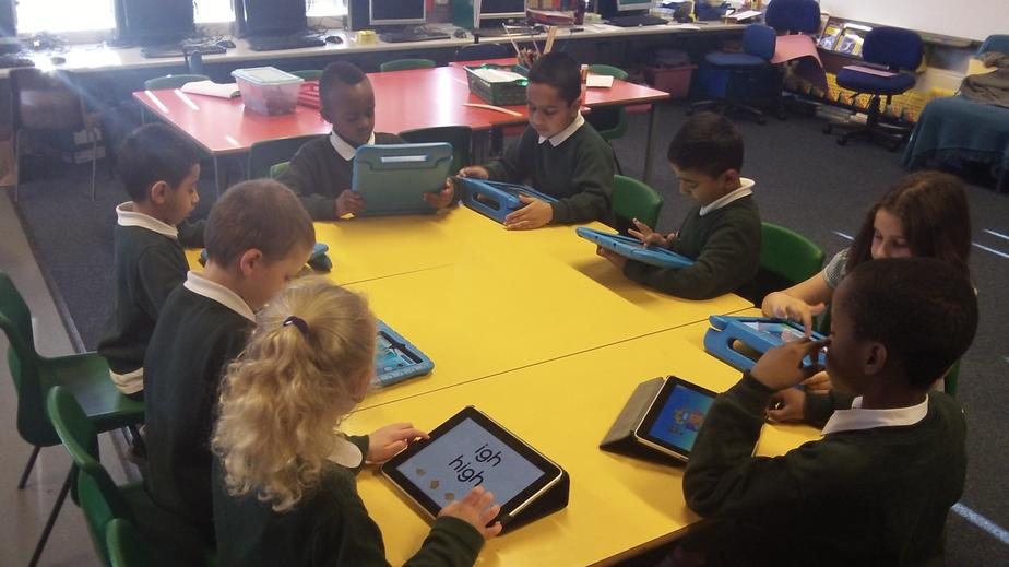 Today in computer club we explored with the ipads!