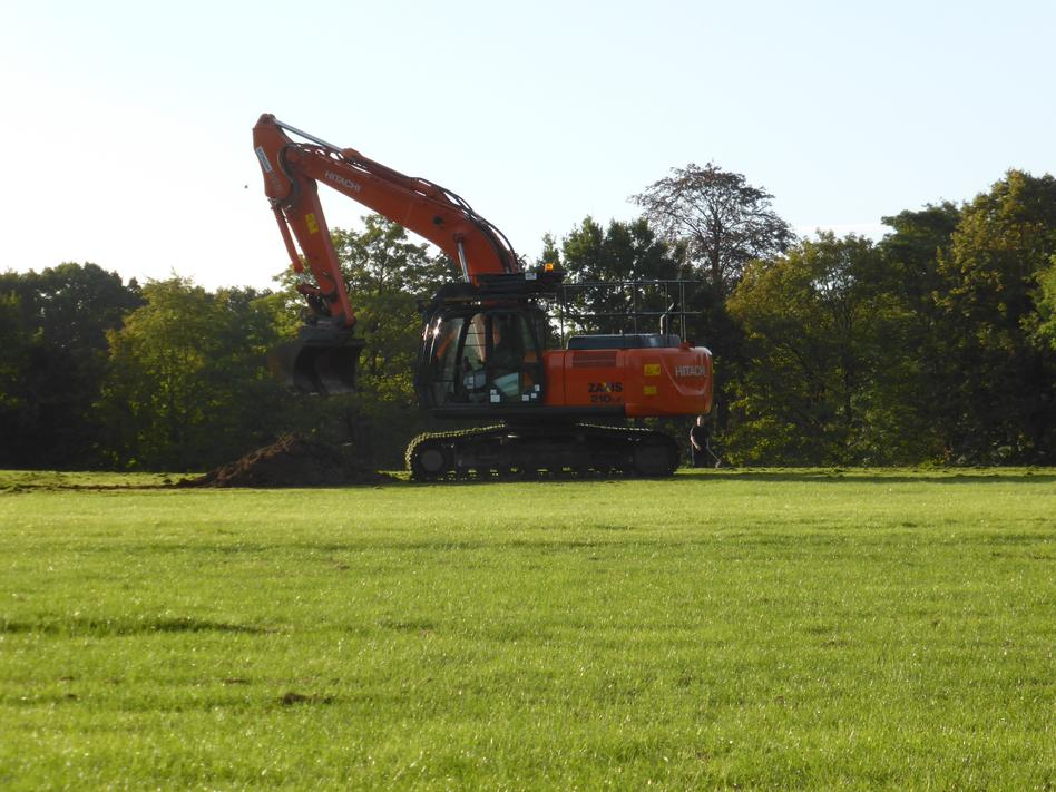 24th September - the diggers arrive