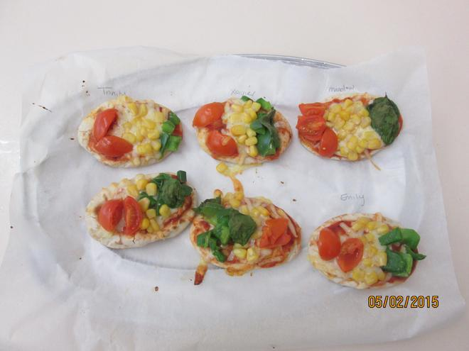Here are our tasty, colourful traffic light pizzas