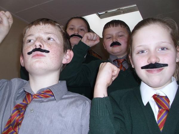 Viva la Moustachios! Viva Movember!!